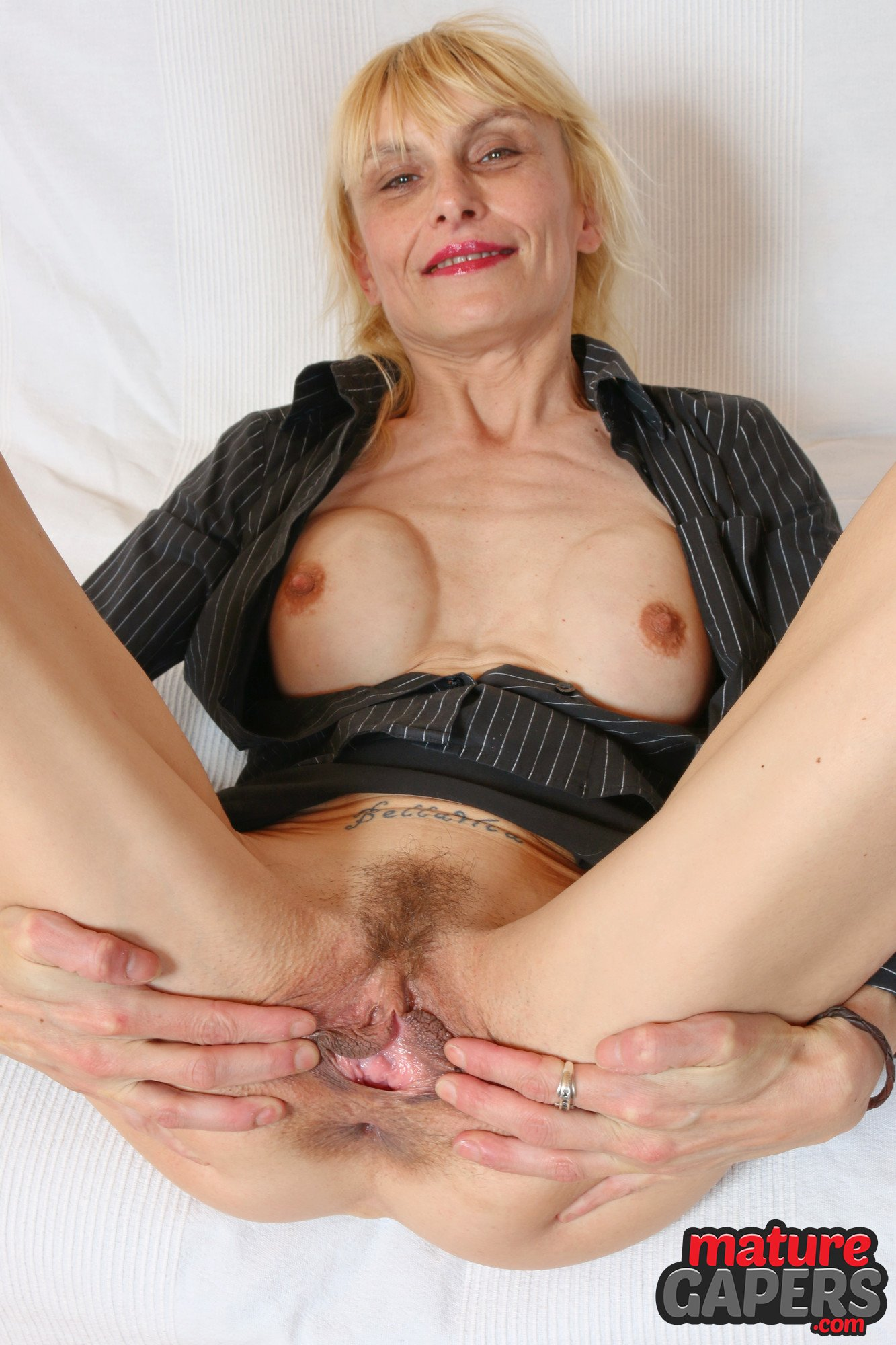 Blonde mature porn